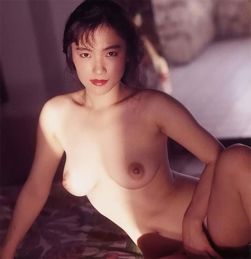 【懐かしの伝説AV女優】田中露央沙 シャープな目線と巨乳のお姉さま女優